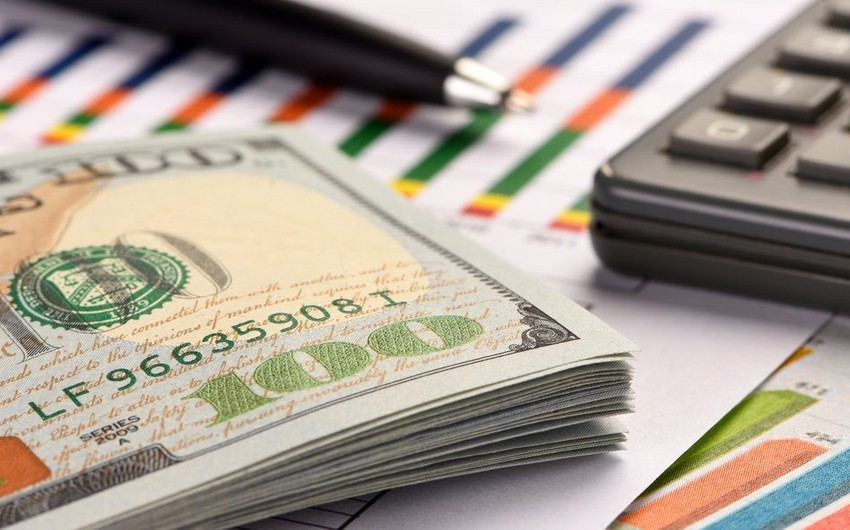 Азербайджанские банки продали инвалюту на 4,1 млрд долларов за 9 месяцев