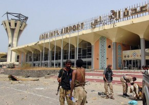 Около 30 человек погибли при атаке на аэропорт в Йемене