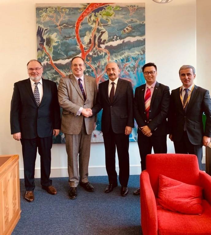 Abulfaz Garayev meets with British Secretary of State