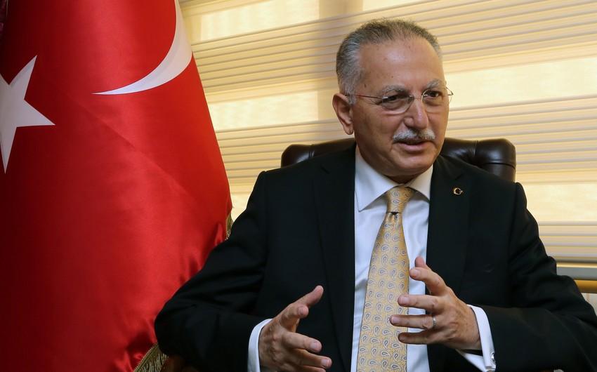 Ekmələddin İhsanoğlu Prezident İlham Əliyevə məktub göndərib