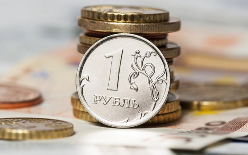 Sorğu: Rusiya rublu bu il 65% zəifləyə bilər