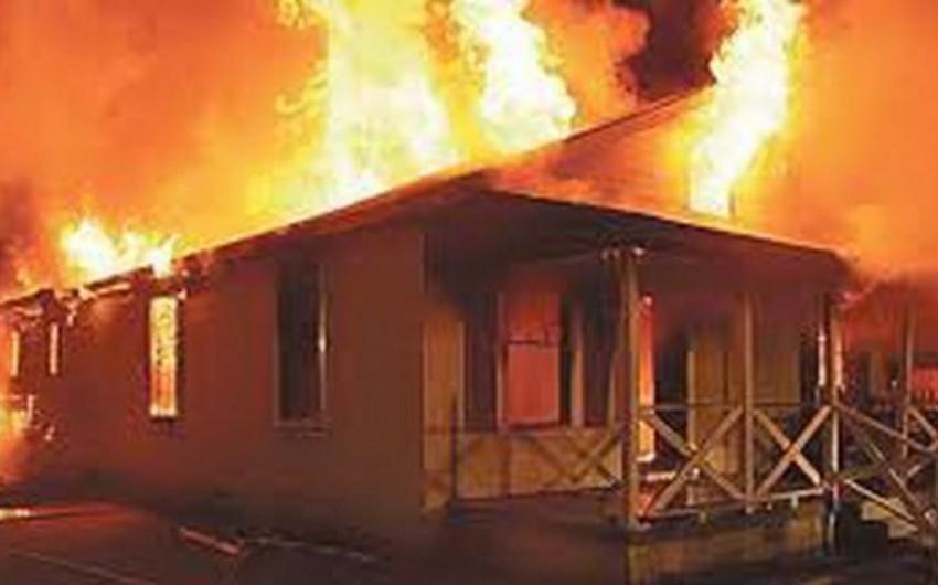 Bakıda evdə yanğın olub, bir nəfər yanaraq ölüb  - YENİLƏNİB