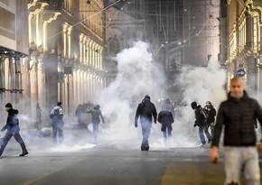 В Италии проходят акции протеста против ограничений из-за пандемии