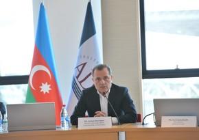 Джейхун Байрамов принял участие в круглом столе по послевоенному развитию и сотрудничеству