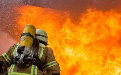 В Евлахе произошел пожар, есть пострадавший