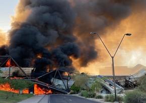 ABŞ-da qatar qəzaya uğrayıb, vaqonlar yanıb