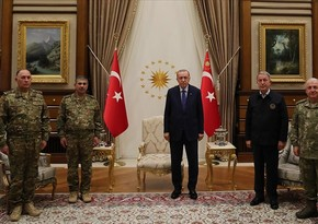 Президент Турции встретился с главой Минобороны Азербайджана