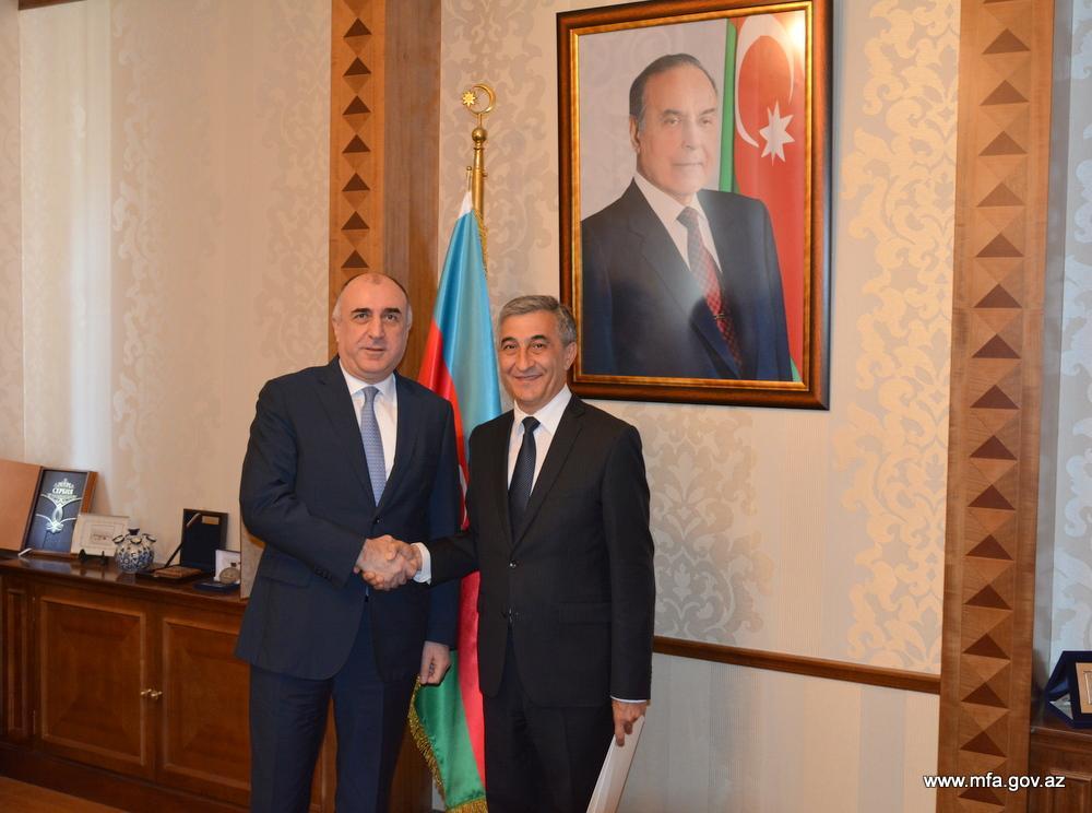Эльмар Мамедъяров принял новоназначенного посла Таджикистана в Азербайджане
