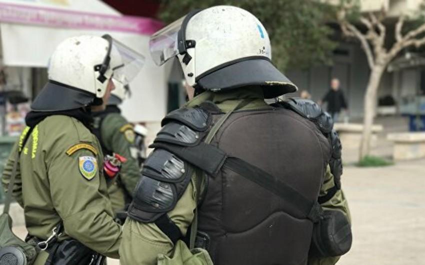 В Афинах анархисты напали на полицейских