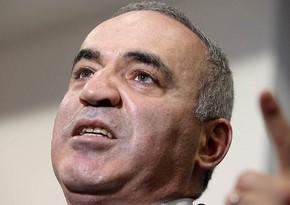 Kasparov hansı fikirlərinə görə üzr istədi?