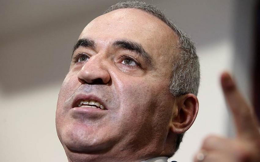 FİDE Harri Kasparovu 500 min dollar rüşvətə görə cəzalandıracaq