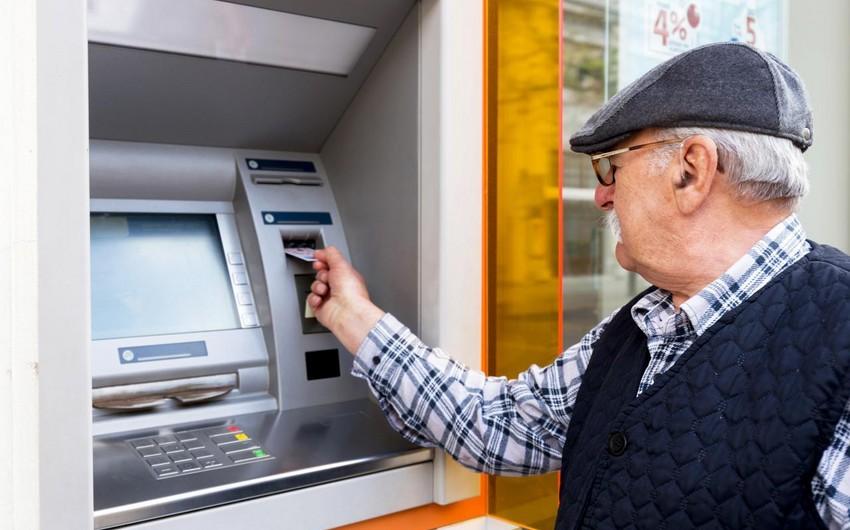 Daha 4 rayon üzrə pensiyalar hesablara köçürüldü