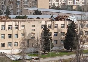 В бакинских школах устраняются последствия сильного ветра