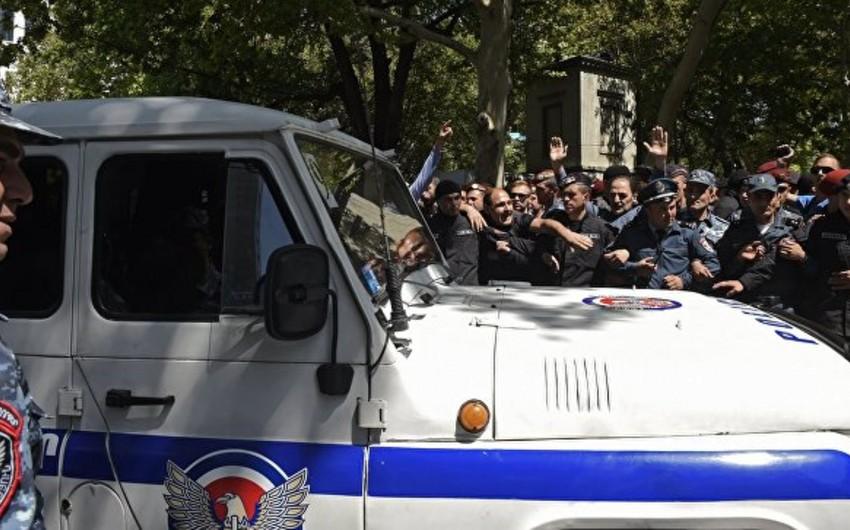 Ermənistan Baş Prokurorluğu aksiyalar səbəbindən yol qəzalarının artdığını açıqlayıb