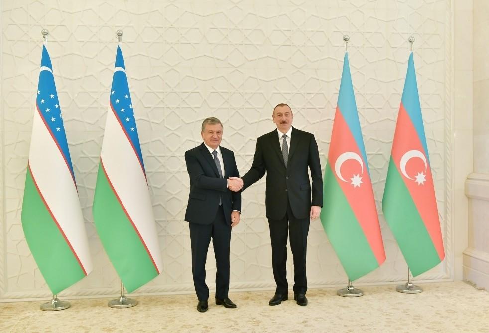Президенты Азербайджана и Узбекистана провели встречу