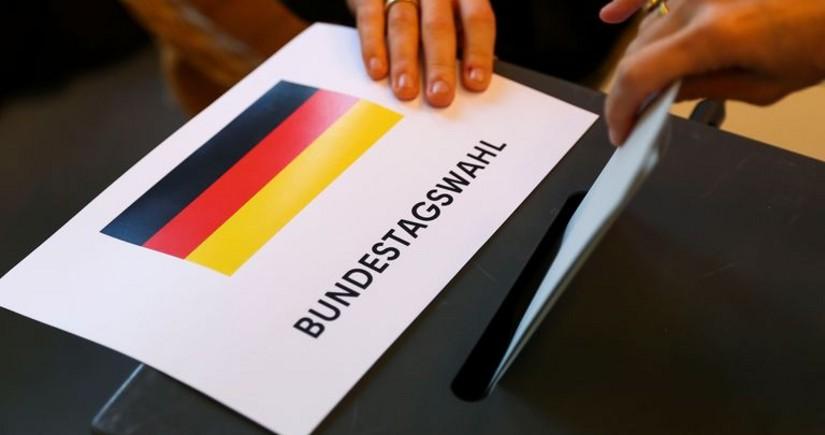 """Almaniyada """"exit-poll""""un ilkin nəticələri açıqlandı"""