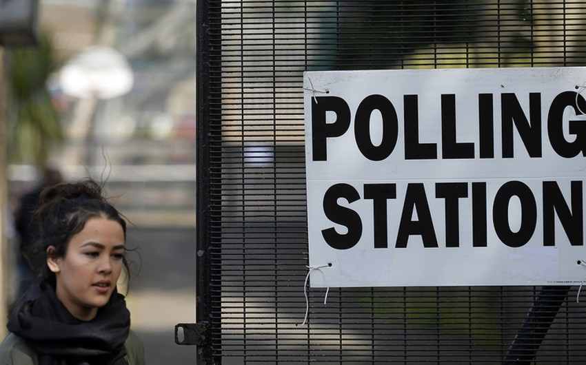 British conservatives lost parliamentary majority as a result of elections