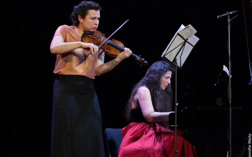 Azərbaycan pianoçusu beynəlxalq festivalda Sarı gəlini ifa edib - VİDEO