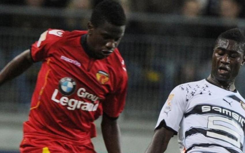 Футболист Динамо Бухарест умер после матча