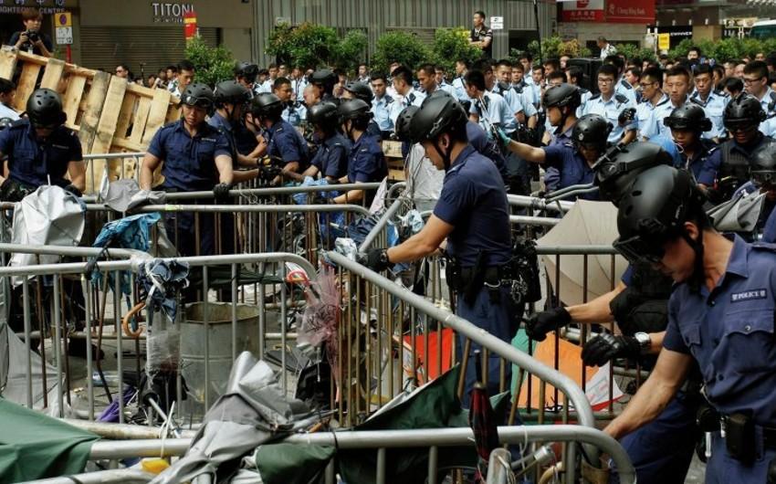 Honkonqda etiraz aksiyaları davam edib, 37 nəfər saxlanılıb