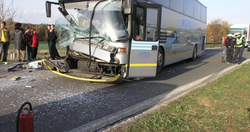 Çində avtobus qəzası baş verib, ölən və yaralananlar var