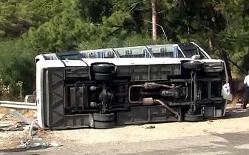 В Аргентине перевернулся пассажирский автобус, три человека погибли