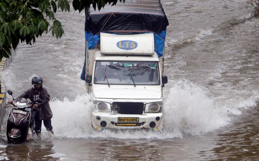 11 people killed after heavy rains in Western India
