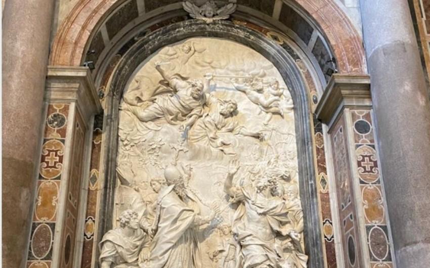 """Heydər Əliyev Fondu Vatikanda """"Roma Papası I Leon ilə Hun imperatoru Atillanın görüşü"""" barelyefini bərpa edib"""