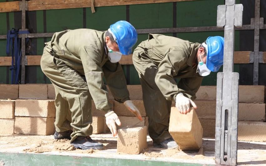 Nazirlik işçilərin böyük qisminin qeyri-leqal əmək fəaliyyətinə cəlb edildiyi müəssisələrin işini dayandırıb - FOTO