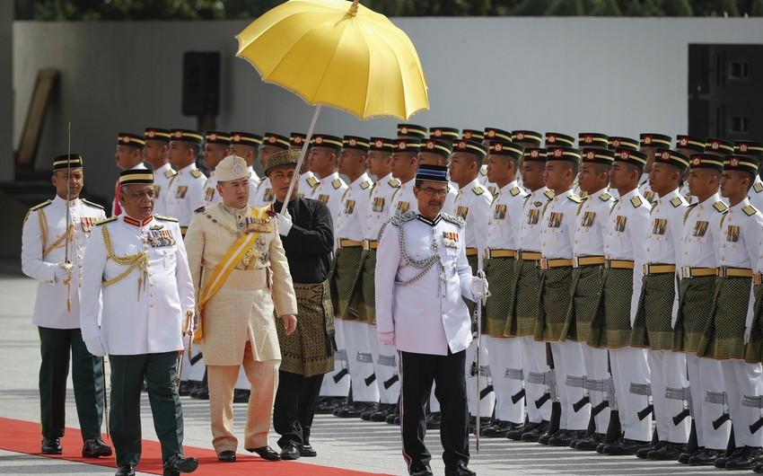 Malayziyada yeni kral taxta çıxıb