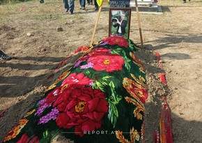Bərdədə ermənilərin atdığı raket nəticəsində ölən videooperator torpağa tapşırıldı