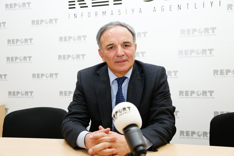 Mətbuat Şurasının sədri Əflatun Amaşov / Report.az