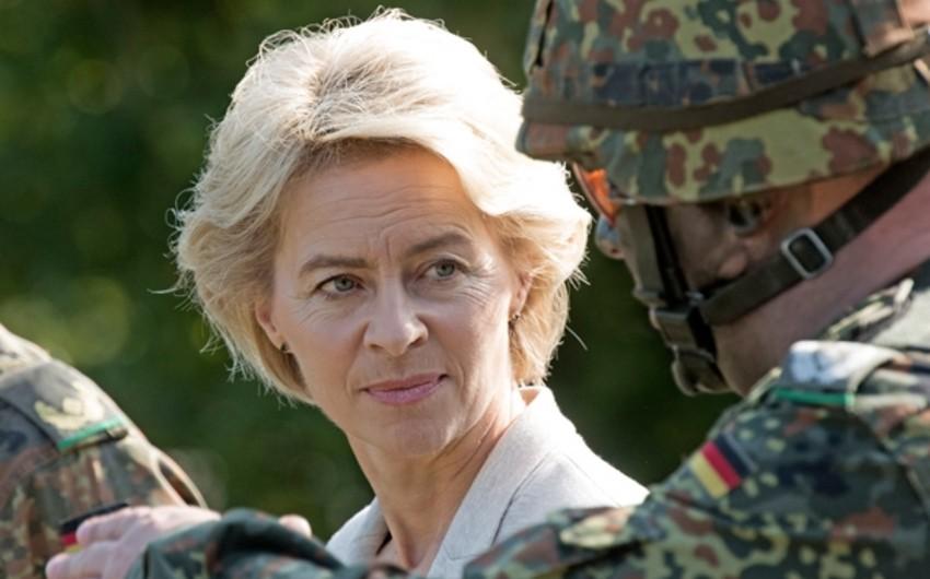 Министр обороны Германии отменила визит в США