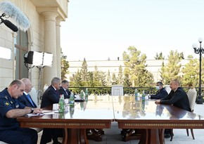 Ilham Aliyev receives Russian Defense Minister