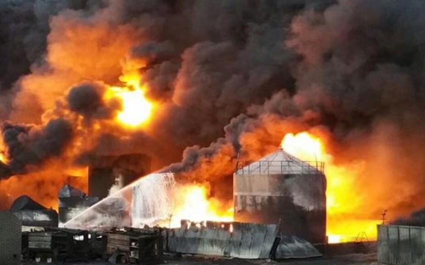 Kiyev yaxınlığındakı neft bazasında bir neçə yanacaq sisterni partlayıb