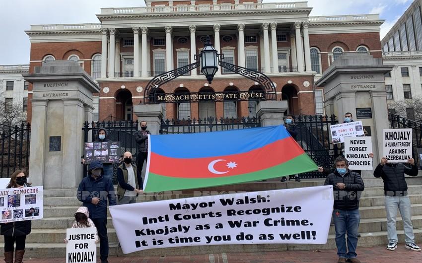 В США прошел митинг против отмены акции памяти жертв Ходжалинской трагедии
