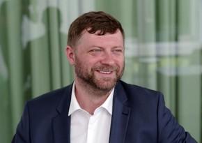 Vladimir Zelenskinin partiyasının başçısı koronavirusa yoluxub