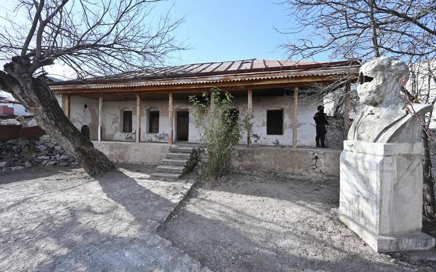 Nazir: Bülbülün ev muzeyinin bərpası ilə bağlı layihə hazırlanır