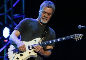 """""""Van Halen"""" qrupunun banisi və məşhur gitaraçı  Edvard van Xalen vəfat edib"""