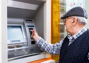 Pensiya və təqaüdlər bütün bankomatlarda əlavə faiz tutulmadan verilir