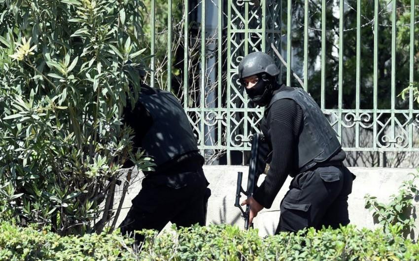При атаке террористов в Тунисе погибли девять полицейских