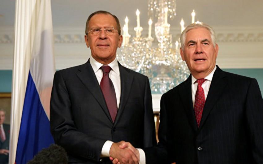 Rusiya XİN başçısı Tramp və Tillersonla Suriyada deeskalasiya zonalarının yaradılması məsələsini müzakilə edib
