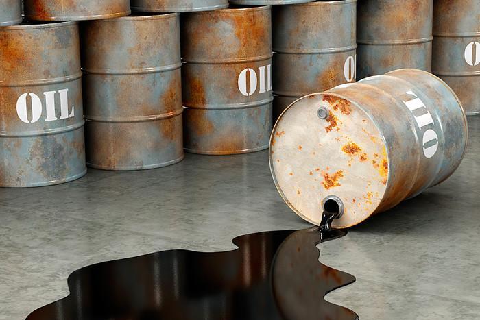 SOCAR: Neft hasilatının orta maya dəyəri 20 dollar/bareldir