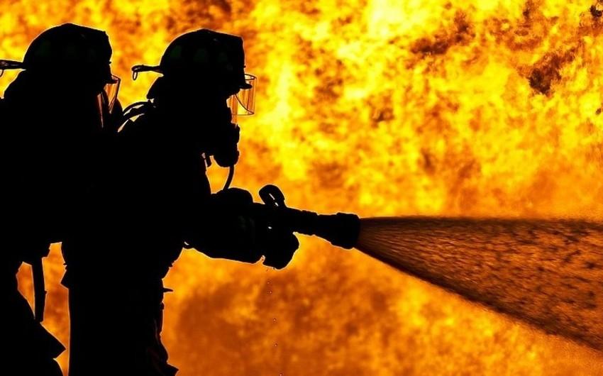 Bakıda yanan gəmi söndürülüb - YENİLƏNİB