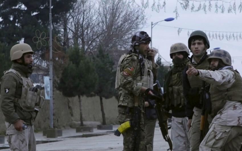 Əfqanıstanda silahlıların hücumu nəticəsində 14 hərbçi ölüb