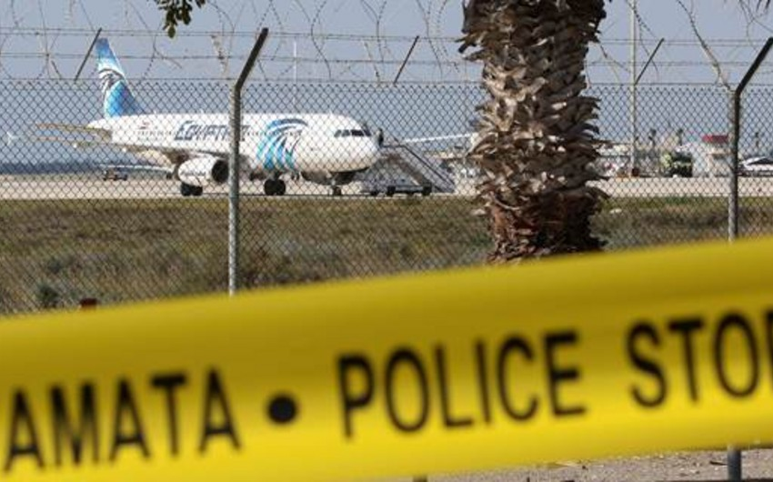 Kipr XİN: EgyptAir təyyarəsini qaçıran şəxs saxlanılıb - VİDEO