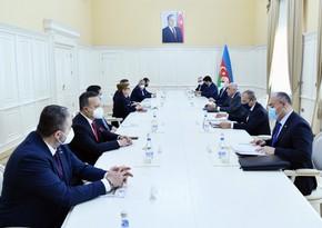 Али Асадов встретился с министром торговли Турции