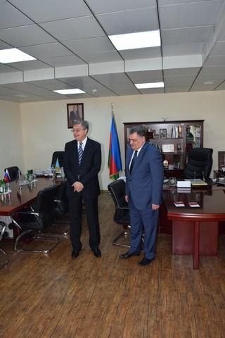 Посол России посетил МЧС Азербайджана и вручил награды