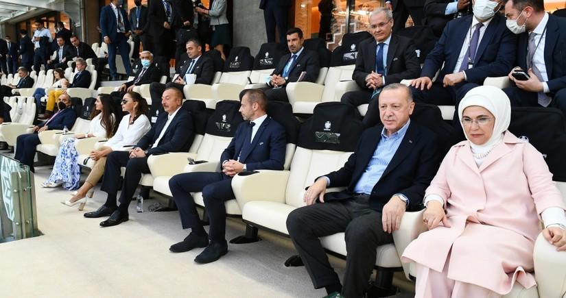 İlham Əliyev və Rəcəb TayyibƏrdoğan Türkiyə millisinin oyununu izləyib - YENİLƏNİB