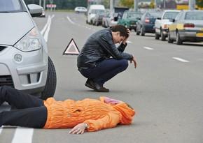 Qusarda avtomobil piyadanı vuraraq öldürdü